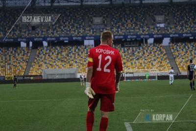 Боровик не підписував контракт з «Карпатами»