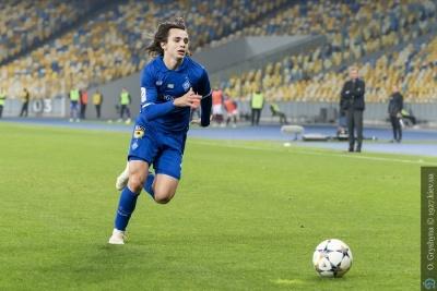 Шапаренко визнаний найкращим молодим футболістом України в жовтні