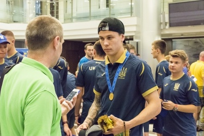 Футболисты сборной Украины U-20 встретились с Зеленским