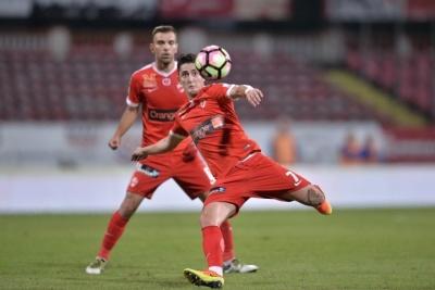Захисник збірної Румунії, якого купує «Динамо»: чим він кращий за Антунеша