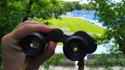 Изобретательные болельщики «Динамо» нашли возможность посмотреть матч с «Рухом» вживую