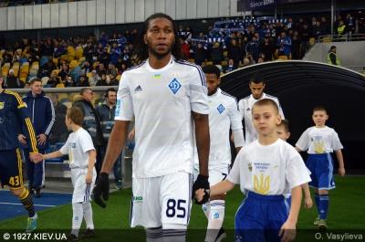 «Динамо» має борг за трансфер Мбокані?