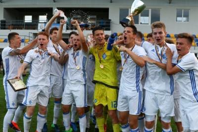 ДЮФШ «Динамо» повторила власне унікальне досягнення