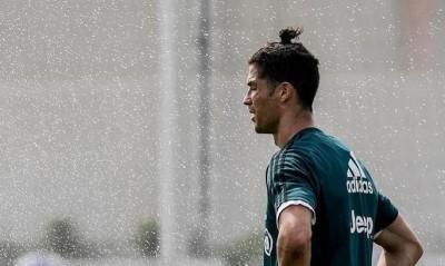 Роналду став жертвою насмішок за свою нову зачіску