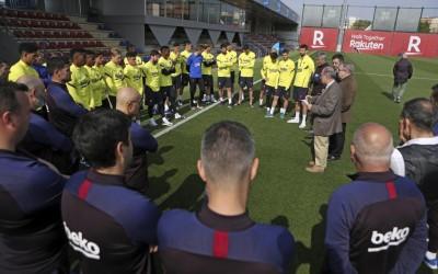 «Барселона» хочет продать 8 игроков летом