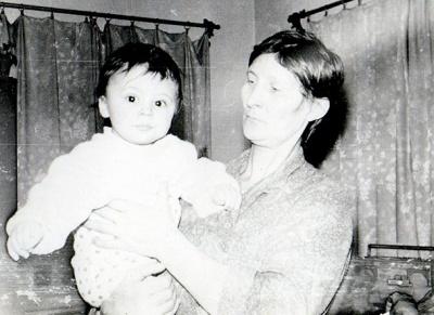 Бабуся Євгена Хачеріді: «Завжди уважно дивлюся й люблю футбол, хоча Женя іноді каже: «Бабуся, що ти там розумієш?»