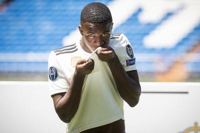 Зідан та Перес не можуть домовитись щодо майбутнього двох молодих талантів «Реала»