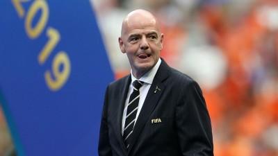 ФІФА попросила гравців погодитися на урізання зарплати в два рази