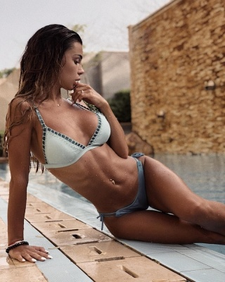 Хавбек «Динамо» уже більше 3-х років зустрічається з сексапільною дівчиною – вона звела його з розуму ідеальною фігурою