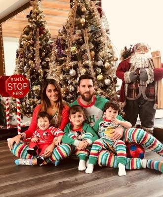 Як футбольний світ святкував Різдво: «батл» Мессі та Роналду, фейли партнерів Ярмоленка, розкішний сюрприз від «Баварії»