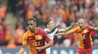 «Галатасарай» обіграв «Бешикташ», три екс-«динамівці» взяли участь у матчі