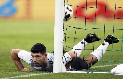У  перерві матчу Аргентина – Нігерія Серхіо Агуеро знепритомнів  та потрапив до лікарні