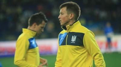 «На Мальдівах дуже люблять футбол і знають про Україну всі новини». Ротань не розслабляється у відпустці