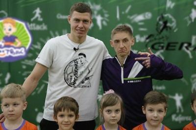 ФУТБІК: Микола Матвієнко вчить дітей розслаблятися