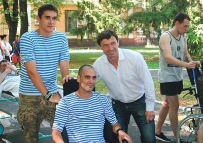 Владислав Ващук будуватиме футбольні майданчики для дітей воїнів АТО