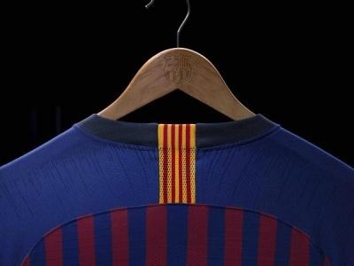 «Барселона» представила новий комплект домашньої форми