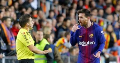 Ігри для хлопчиків. Судді топлять «Барселону», а тоне «Реал»