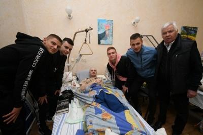 Представитель ультрас «Волыни»: «Игроки «Динамо» чуть ли не еженедельно ходят в военный госпиталь. Это больше психологическая поддержка»