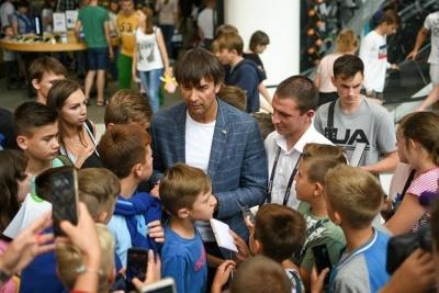 Олександр Шовковський зустрівся з уболівальниками