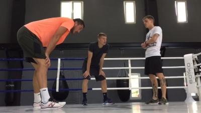 Бущан і Бурда взяли участь в тренуванні з боксу