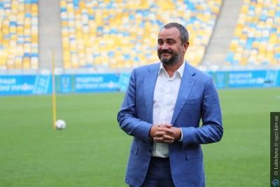 Обзор СМИ. Дикие зарплаты футбольных «министров»