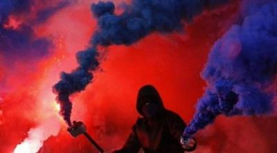 Фанати «Партизана» вилили на лайнсмена відро води