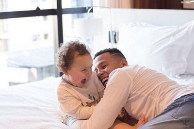 Курорти, тату, сім'я та футбол: що постить в Instagram Сідклей