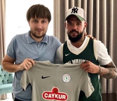 Официально: Николай Морозюк подписал полноценный контракт с «Ризеспором»