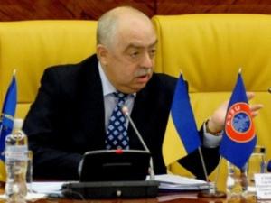 ФФУ офіційно звільнила і припинила всі повноваження Стороженка