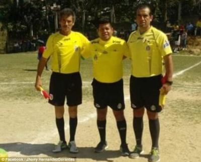 У Мексиці футболіст убив суддю за червону картку