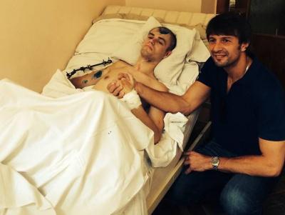 Олександр Шовковський відвідав військовий госпіталь та підтримав поранених бійців із зони АТО. ФОТО