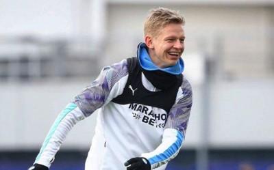 Отвесили подзатыльники: Зинченко досталось в «коридоре позора» на тренировке «Манчестер Сити»