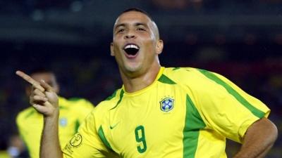 Роналдо склав збірну кращих гравців в історії і не включив у неї Кріштіану