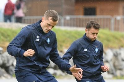 «Динамо» в Австрії: останнє тренування під проливним дощем