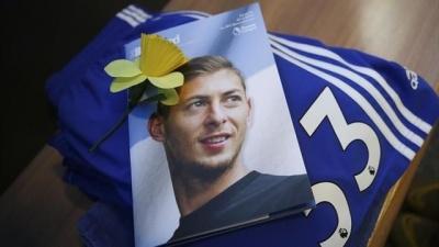 Еміліано Сала загинув під час аварії літака. Тіло форварда «Кардіффа» витягли з Ла-Маншу