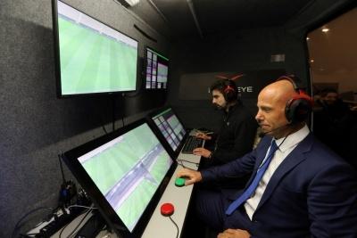 ФІФА схвалила включення системи відеодопомоги арбітрам у футбольні правила