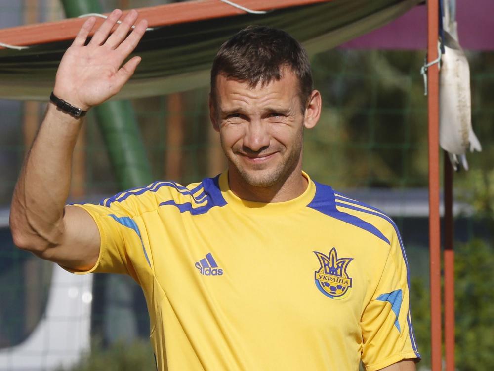 первом биография всех украинских футболистов фото р?лді сомда?ан ?нші