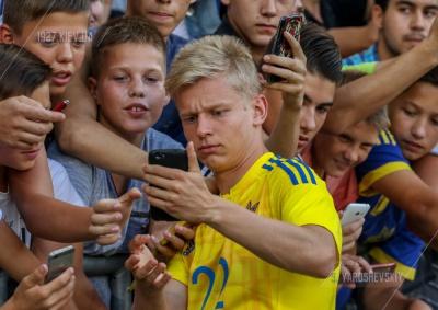 Як футболісти молодіжки спортивних зірок впізнавали